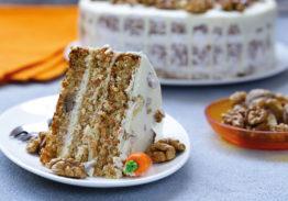 Mona de Pasqua Carrot Cake